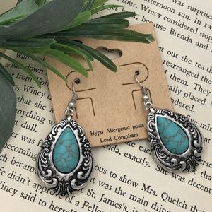 🌼3/$30🌼 Teardrop Turquoise Swirl Dangle Earrings